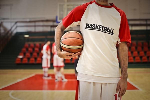 篮球爱好者患上髌骨软化症