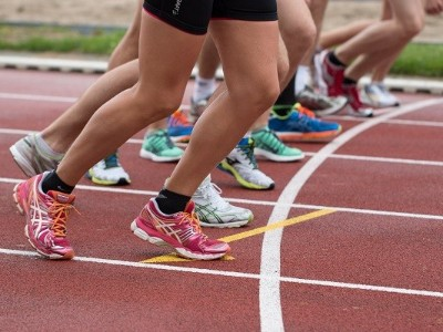 跑步跑到关节运动损伤,马拉松爱好者需警惕!