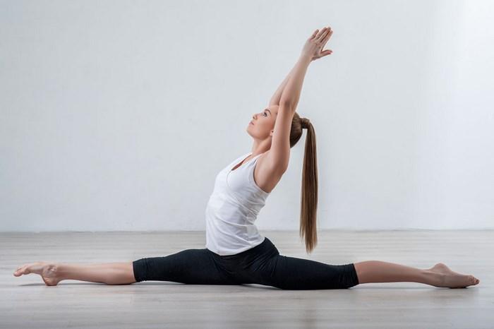 瑜伽治关节炎