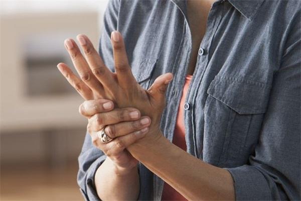 关节炎与痛风的区别.jpg