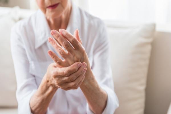 手指关节炎早期症状.jpg